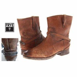 Frye Lindsay plate short boots